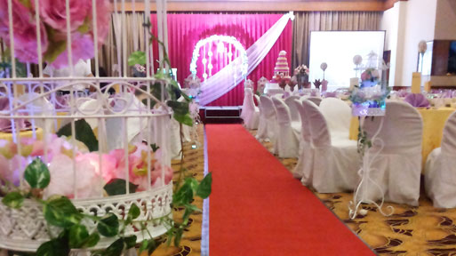 banquet_wedding_phone